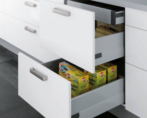 KüchenGalerie Follner; Aufbewahrungsbeispiel. Hohe Schubladenauszüge. Bildquelle: Wellmann